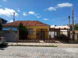 Alugo casa em excelente localização de Olinda