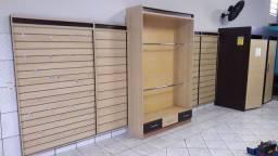 Instalação de móveis p loja de roupas ou acessórios