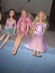 Barbie e hello kitt