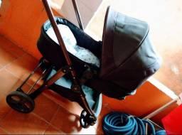 Carrinho Moisés acompanha bebê conforto mais colchonete.