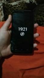 Motorola moto maxx 64 gb e 3 GB de RAM