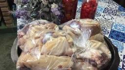 Vendo galinha caipira congelada (tipo melhorada)