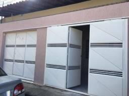 Promorar - Casa com três quartos e duas garagens