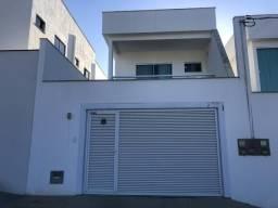 Vendo excelente casa no Jardim Itapemirim