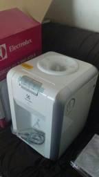 Bebedouro eletrolux, na caixa, sem uso, com nota fiscal e garantia de um ano