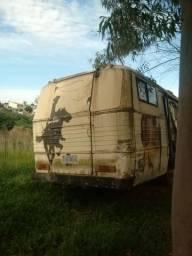 Motor Home com carga animal ideal para Rodeios