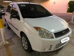 Fiesta Class Hatch 1.0 8v flex 2009 completo - 2009