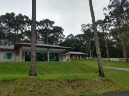 Linda Chácara em Campina Grande do Sul, com casa nova de 170,00m2 (Alto Padrão)!