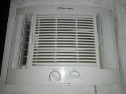 Vende-se ar-condicionado