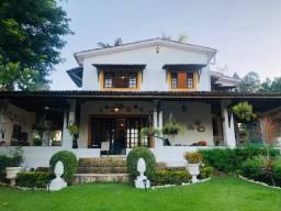 Casa em Aldeia 4 Quartos 2 Suítes com 450m²