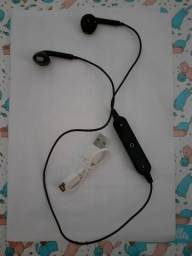 Fones de ouvido Bluetooth Novo