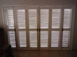 Vendo porta balcão com veneziana, tamanho 3050x2170