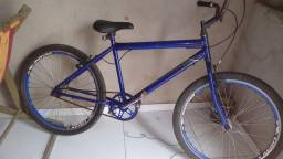 Vende-se bike aro 26' com raios inox R$ 300,00