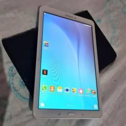 Tablet Galaxy praticamente novo