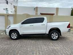 Toyota Hilux SRV 4x2 (flex)