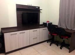 Home office com painel para TV ITALINEA
