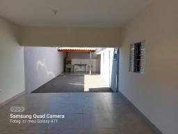 Casa novíssima, para alugar, com 2 dormitórios, em Álvares Machado- SP