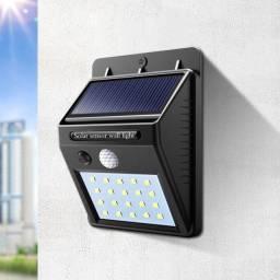 Luminária de energia solar