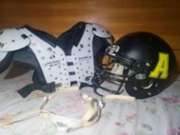 Futebol americano shoulder e helmet