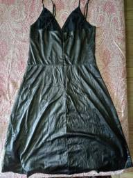 Título do anúncio: Vestido de Courino