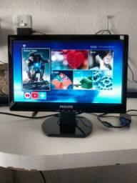 Monitor Philips 16 polegadas LCD bom