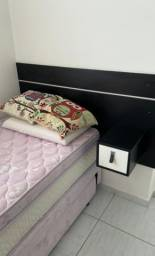 Cabeçeira cama de solteiro.