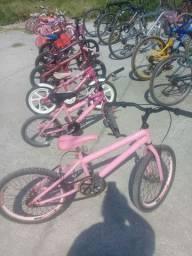 Bicicletas novas e uzada e ferrametas pinomakina escada portão grade de janela etc