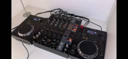 Setup DJ - Par de CDJ 350 e Mixer Behringer DJX900