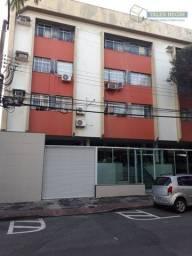 Apto 3 quartos com armários em Jd. Camburi