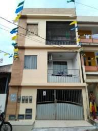 Prédio com 4 apartamentos