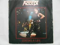 Vinil_LP_Disco_Accept_Staying a Life comprar usado  3 Pontas