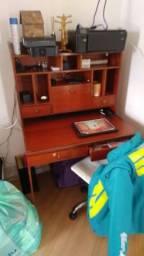 Escrivaninha em madeira pura