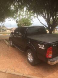 Vende se Hilux SRV 4x4 top - 2010