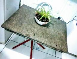 Mesa de mármore. Linda