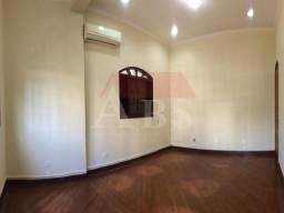 Majestosa Casa Para locação, 7 salas, 5 vagas, bem localizada em Santos