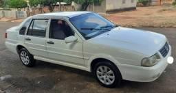 Vw Santana ano 2000, branco, 1.8, completo, 4 portas, suspensão e pneus novos - 2000