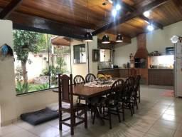 Casa Térrea, 4 Dormitórios, Área Gourmet, Quintal - Parque Santo Antônio, Taubaté/SP