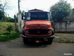 Caminhão 1513 Mercedez Bens