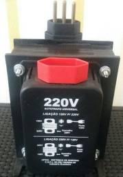Autotransformador converte 110 para 220 e de 220 para 110v conforme sua necessidade.