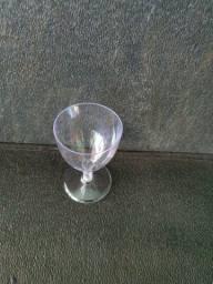 Taça de vinho em acrílico