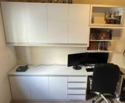 Armário e bancada para quarto ou escritório