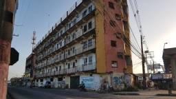 Edifício Sta. Felicidade, 2 quartos com 1 vaga de garagem na BR.