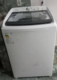 Máquina de lavar e centrífuga