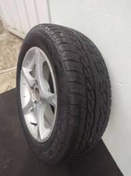 Roda com pneu