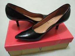 Sapato Vizzano scarpin preto verniz