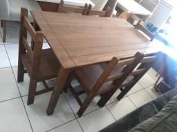 Conjunto mesa de madeira