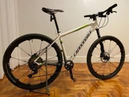 Bicicleta Cannondale 19 - Left - Aluninio