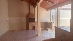 Linda Casa Iracy Coelho com Quintal Amplo 12 m² x 30 m²