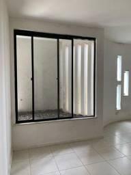 Casa Espetacular com Banheira no Condomínio Champs Elysses - Bairro Santa Mônica