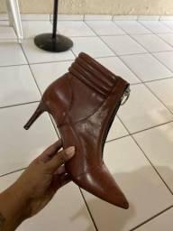 Vendo bota de couro Santa lolla